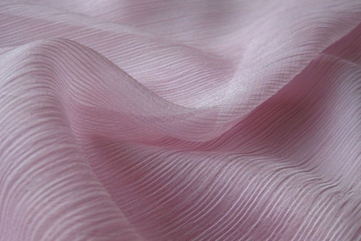 Polyester crinkle chiffon fabric: www.quality-fabric.com/polyester-crinkle-chiffon-fabric